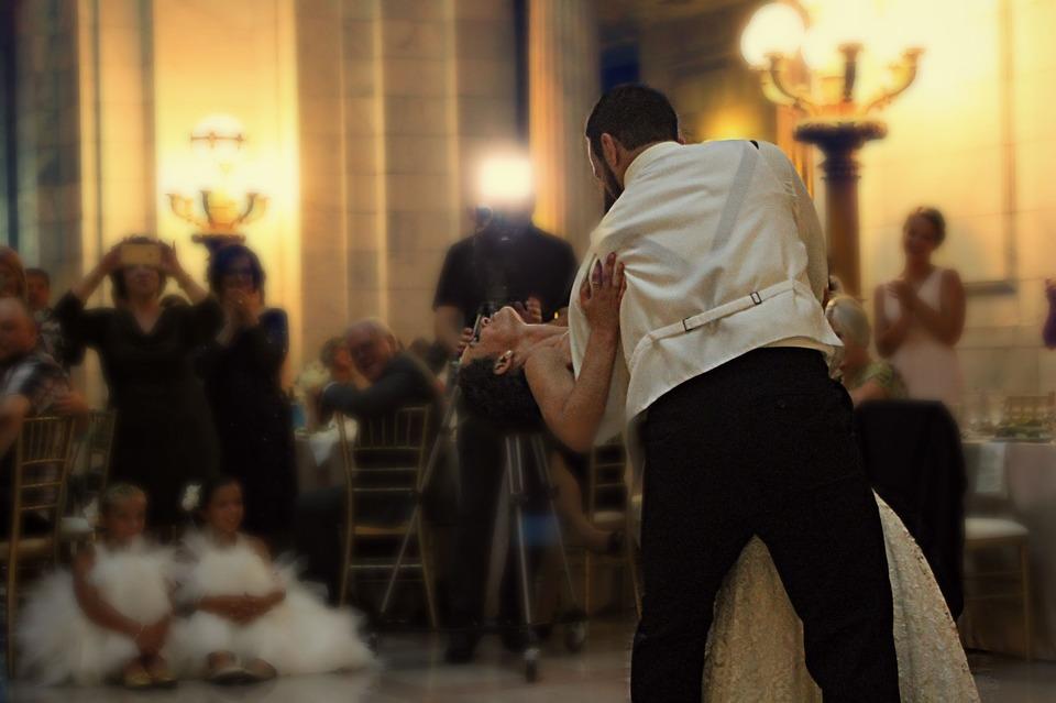 Bal de mariage: 5 danses de couple pour l'ouverture de bal réussie