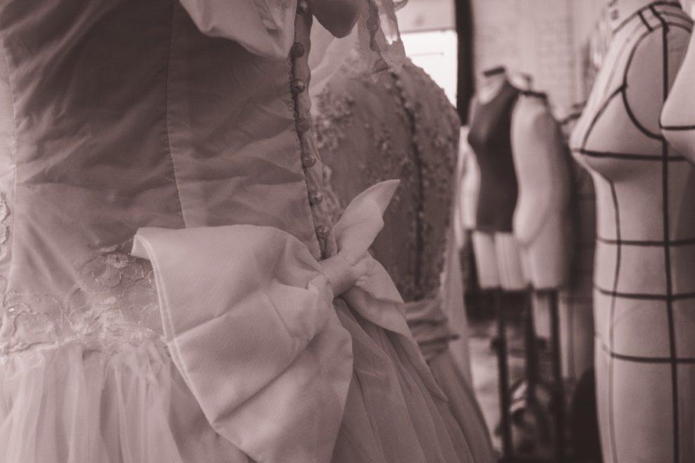 4 astuces pour porter impeccablement sa robe de mariée le jour J