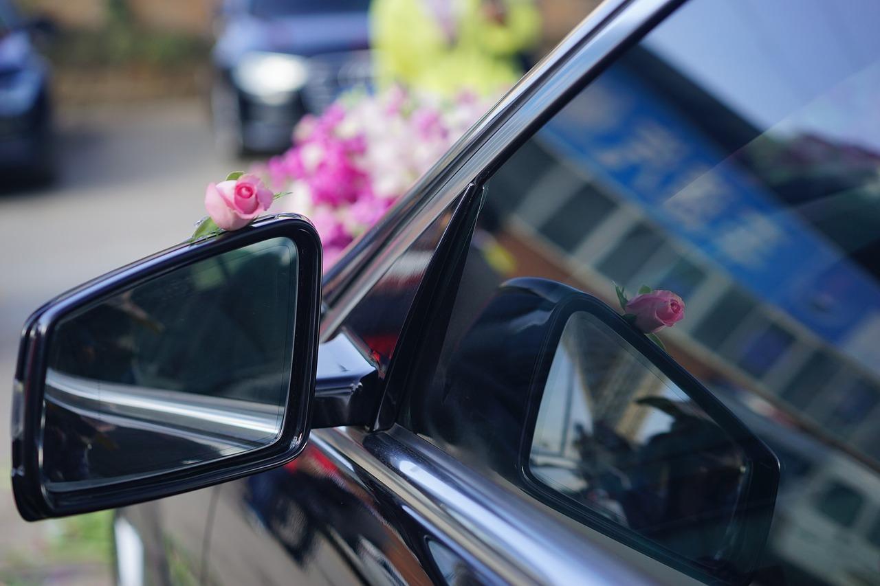 Guide déco: 4 idées déco pour la voiture des mariés