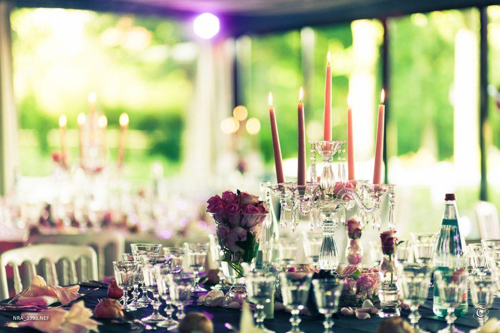 Comment organiser un mariage réussi avec un petit budget déco?