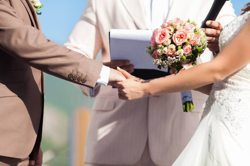 Mariage laïque: bien choisir son officiant