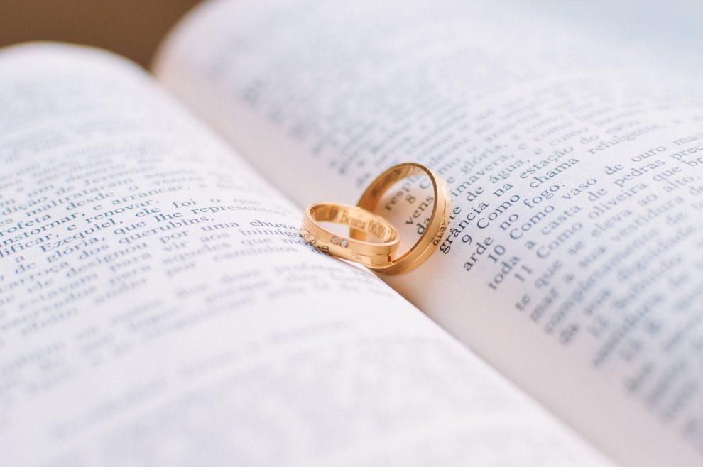 Comment bien rédiger ses vœux de mariage?