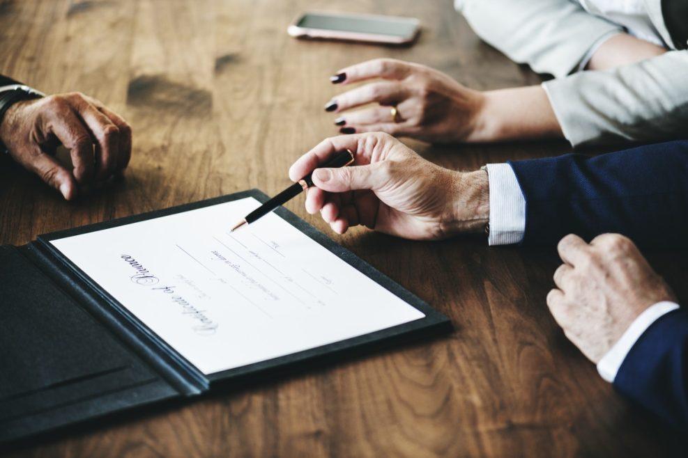 Démarches administratives de mariage: le rôle du notaire dans une union