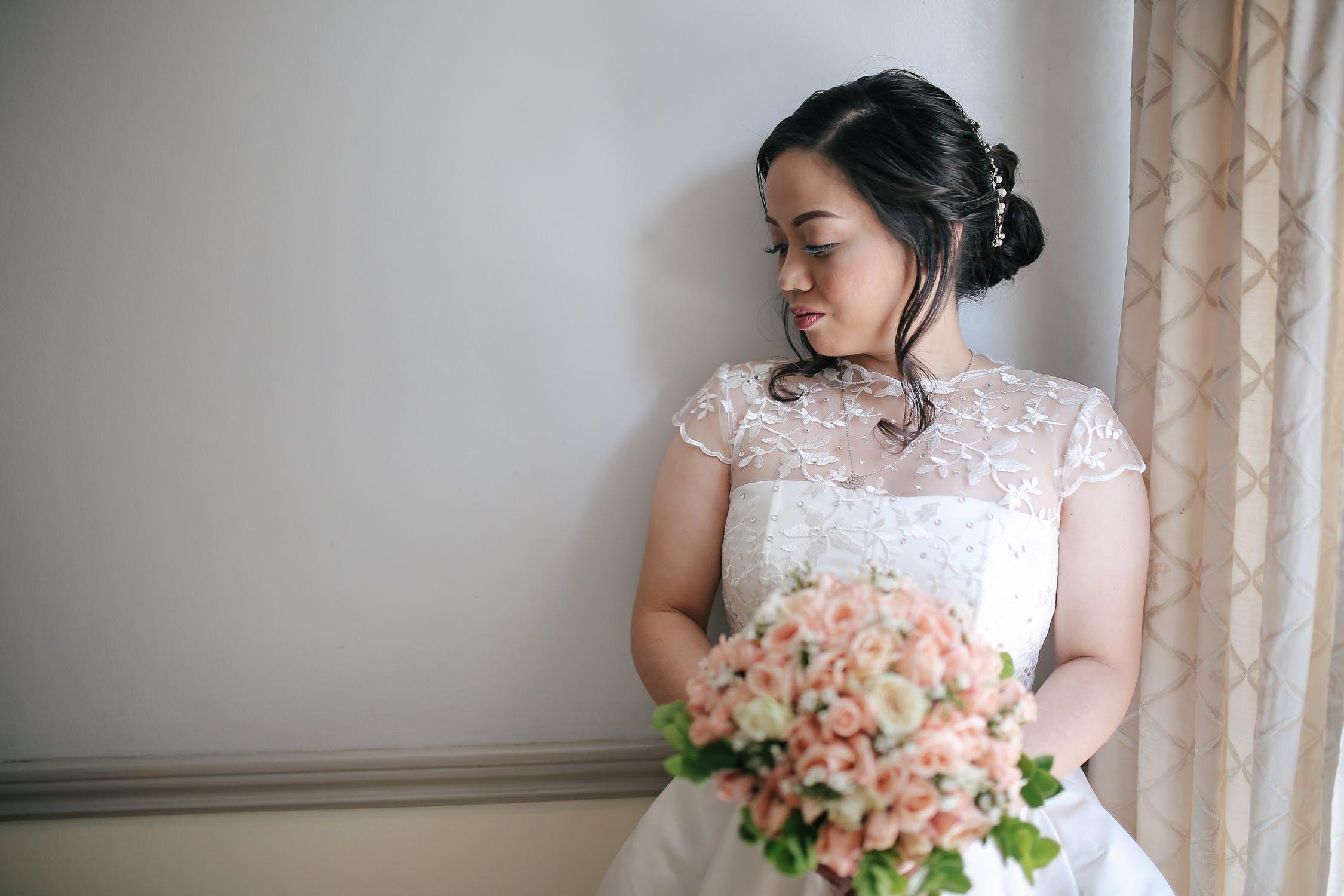 Comment choisir une tenue pour son mariage civil?