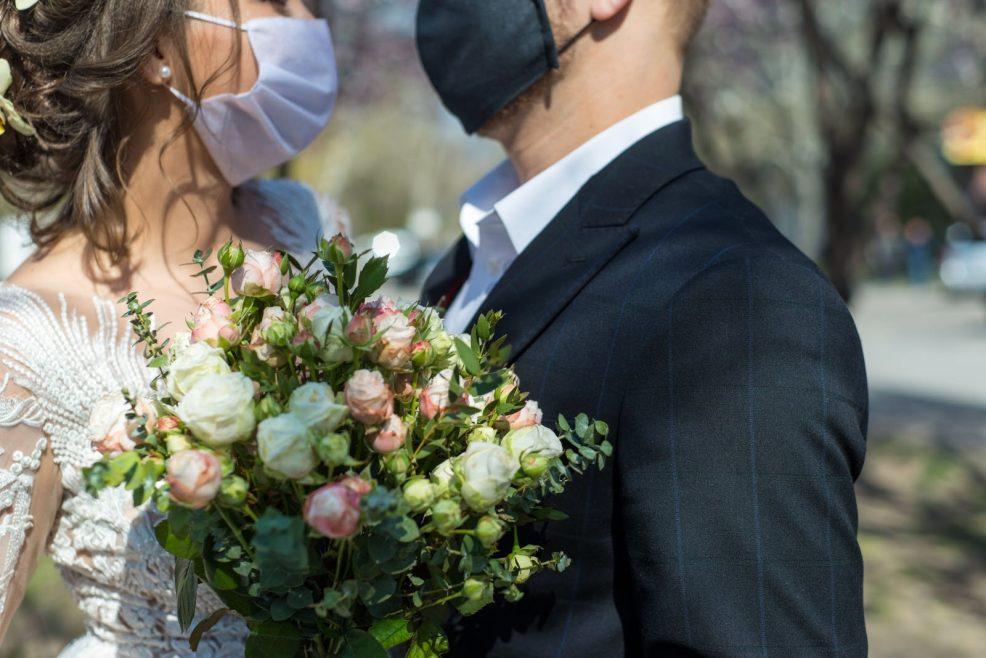 Mariage post Covid-19: les solutions à adopter après le confinement pour pouvoir se marier en toute sécurité