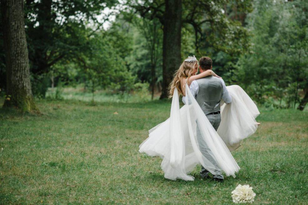 Pourquoi aime-t-on les mariages champêtres ?