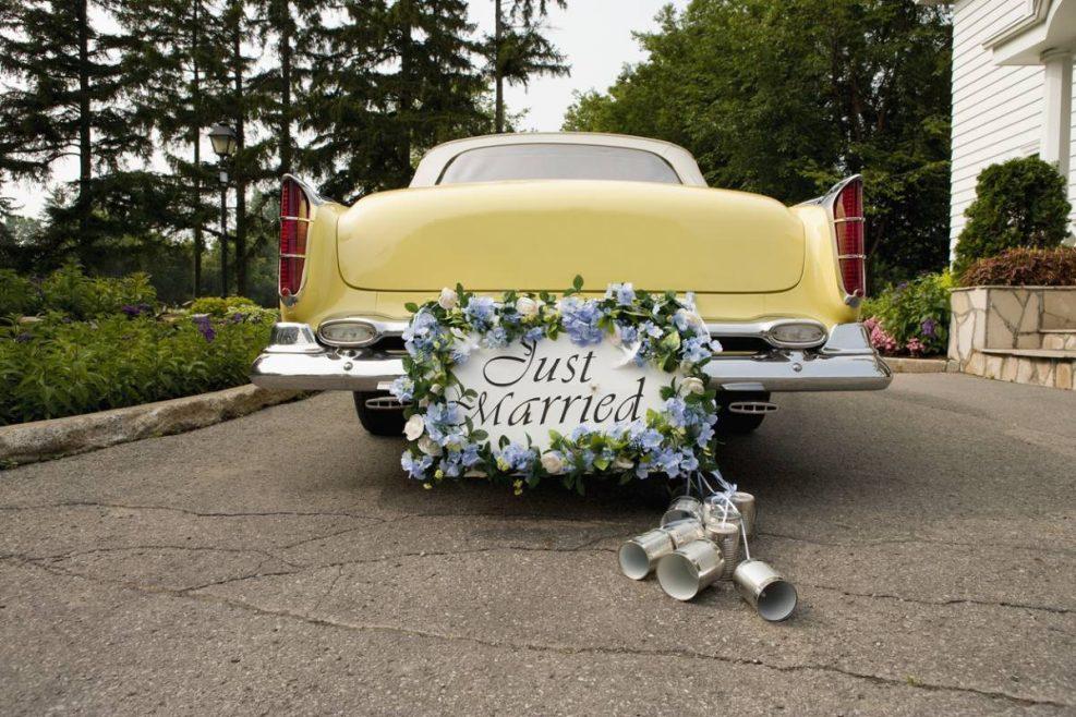 Mariage : optez pour la location d'une voiture de luxe !